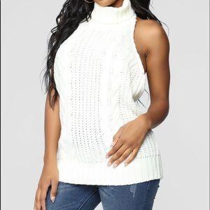 ⚪️Nylon Apparel ⚪️ sweater Halter Top